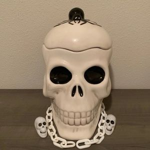 Halloween skull head canister
